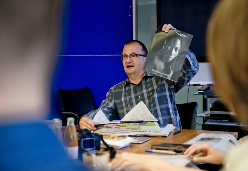 Martin Klingst shows lifestyle magazine from Die Zeit newspaper